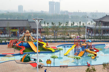 Hiburan Waterpark Project, Gaint Water Park Peralatan Anak Theming Water Park Slide
